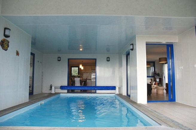 ferienhaus bretagne mit pool mo lan sur mer 9 personen. Black Bedroom Furniture Sets. Home Design Ideas